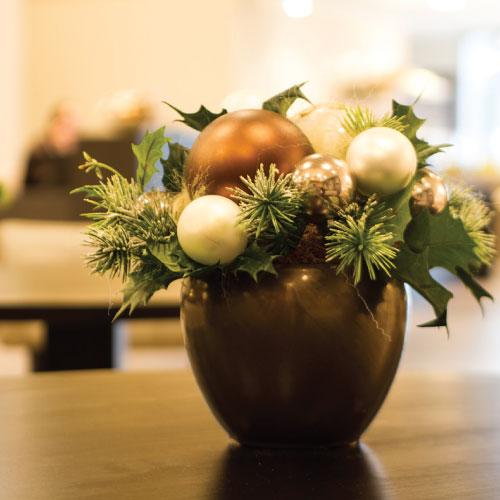 Donkergroen kerstboomservice exclusief kerstwerk